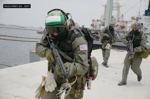 Navy SEAL VBSS Commander 90s